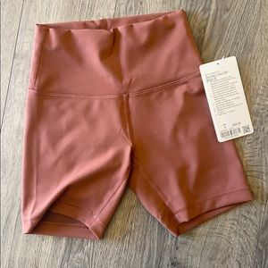 NWT lululemon Wunder under HR train short 6""